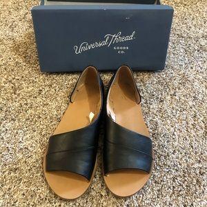 Universal thread sandals